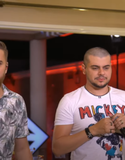 Cristiano, dupla de Zé Neto raspou cabelo ao vivo